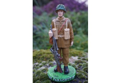 RE0240  FIGURINE STATUETTE SOLDAT BRITANNIQUE  1944