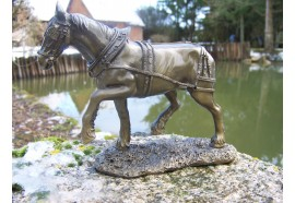 RE0071 FIGURINE STATUETTE REPRODUCTION CHEVAL CLYDESDALE STYLE BRONZE