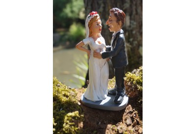 01472007  FIGURINE METIER CARICATURE MARIAGE MARIEE   COLLECTION LES ALPES
