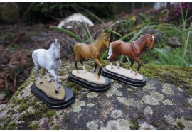 91050 B 3 FIGURINE STATUETTE EQUITATION P M U CHEVAL JOCKET ANIMA